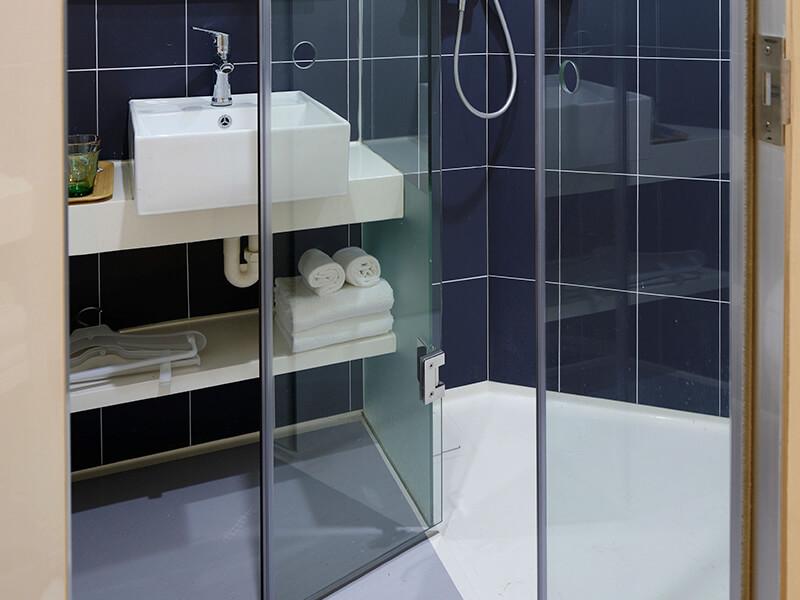 reformar el baño sin quitar los azulejos